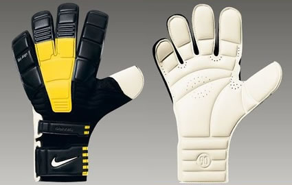 Goalkeepers:Selecting Your Gloves