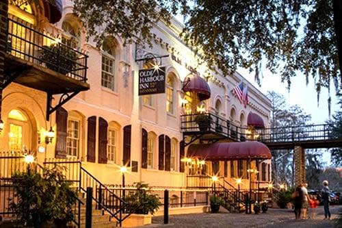 Olde Harbour Inn