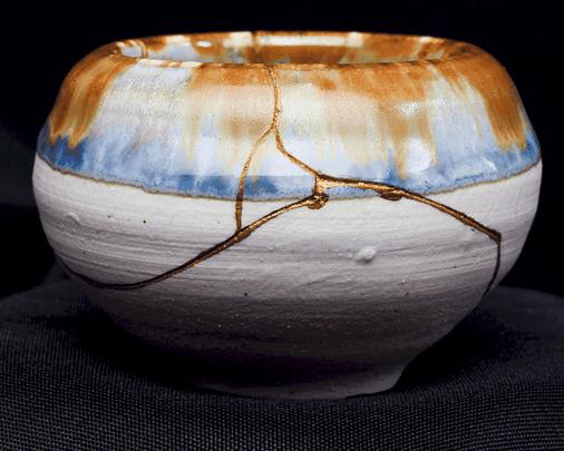 kintsugi, alchimie de nos blessures transformées en or