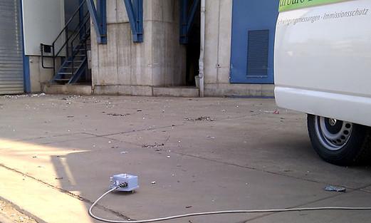 Schwingungsmessungen Messlabor 17025, Messung nach DIN 4150, Berlin, Brandenburg Erschütterungen, Vibrationen, Schienenwege, Bahn