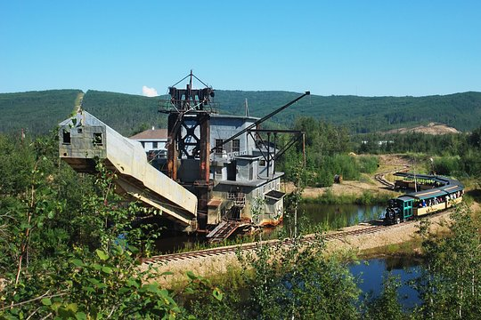 A round up of the best free and fun things to do in Fairbanks, Alaska on a budget that many people often overlook. Gold Dredge 8 Tour