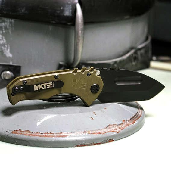 Folding knife for webinar