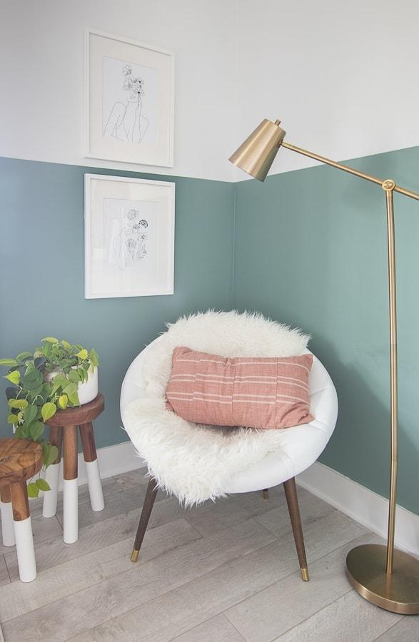 mid century modern chair, fun teen room ideas
