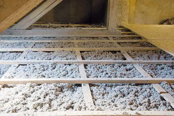 Fúkaná celulózová izolácia podlahy
