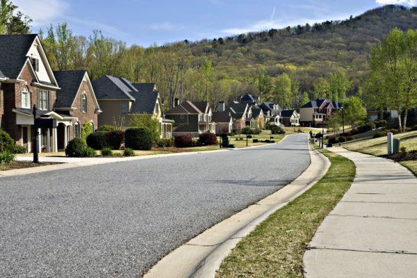 https://www.slatterhoamanagement.com/wp-content/uploads/2021/07/homeowners-association-management-greensboro-600x400.jpg