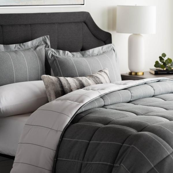 Reversible comforter set in Grey & beige colors