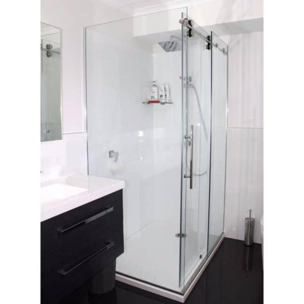 1400x900 Urban corner Shower Henry-Brooks