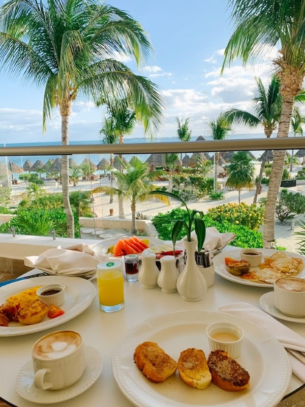 breakfast on the balcony Mexico