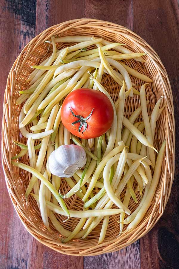 yellow wax beans tomatoes garlic