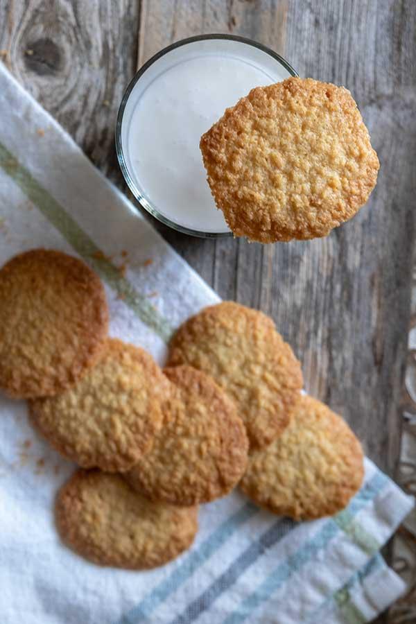 gluten-free coconut cookies