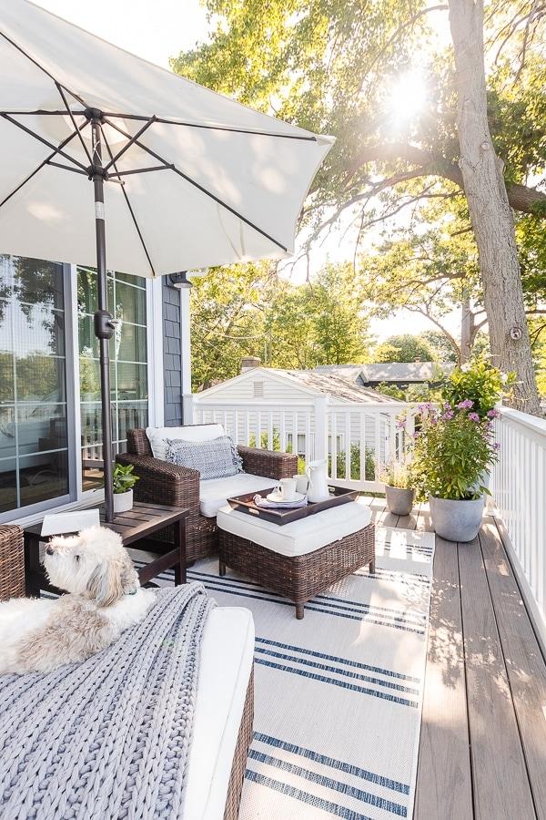 lake house deck furniture
