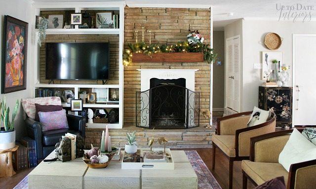 Eclectic Living Room Garland
