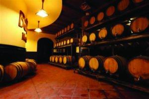 hầm rượu cổ Debay