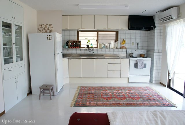 rental kitchen with easy decorating tips