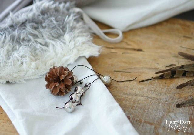 DIY Christmas Stockings with linen and fur