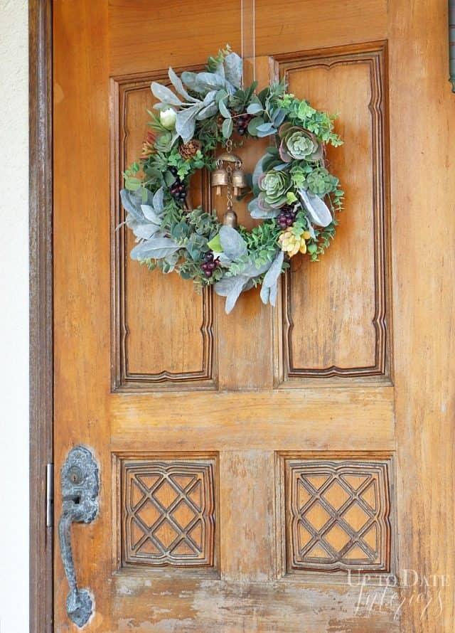 autumn-wreath-with-succulents-brass-bells