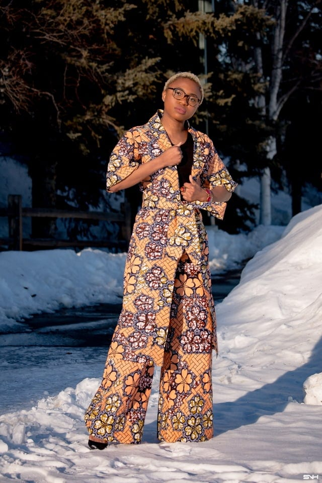 Nigerian fashion blogger, Louisa Moje of La Passion Voutee shows us how to slay the African print kimono set trend. Her effortless style, love of vibrant print and ethnic pieces tell a colorful story. Her 30 days of African print fashion series got us oohing and ahhing about the beauty of African fashion. And the way she blends her appreciation for her heritage and a love for winter leave us in awe of how she does it! #ankara #africanprint #ankarafashion #nigerian