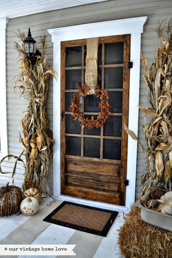 AUTUMN CORN FARMHOUSE PORCH DOOR DECOR IDEAS