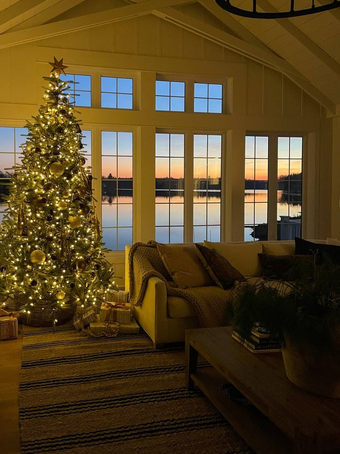 Lake House Sunset Christmas tree