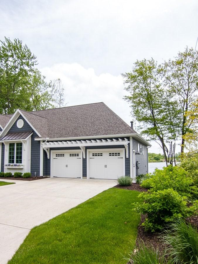 lake house landscaping design