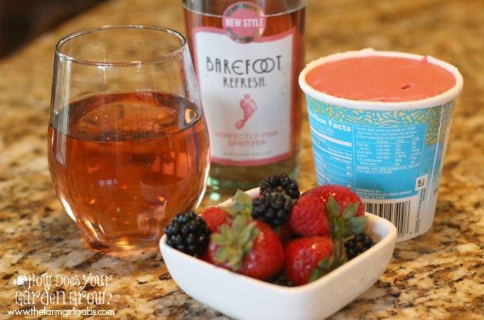 Barefoot Refresh® Berry Spritzer Float Ingredients