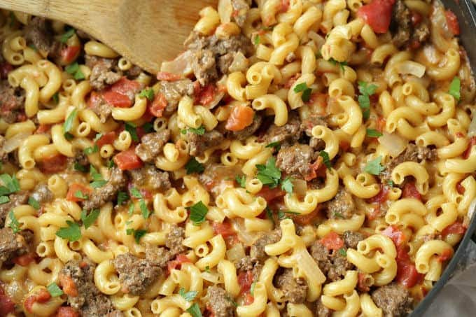 This one-pot Cheeseburger Skillet Casserole is just like that cheeseburger macaroni we all loved as kids, but only better becauseit is homemade. It's an easy and delicious budget-friendly dinner idea.