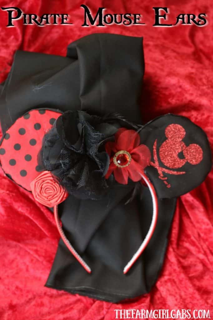 Aargh you ready for a little Disney fun mateys? Create your own pair of Mickey Mouse Pirate Mouse Ears. This craft is perfect to make for an upcoming trip to Walt Disney World or on the Disney Cruise Line.