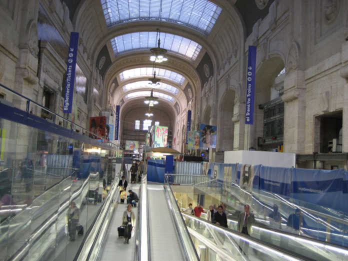 stazione centrale agosto metropolitana chiusa