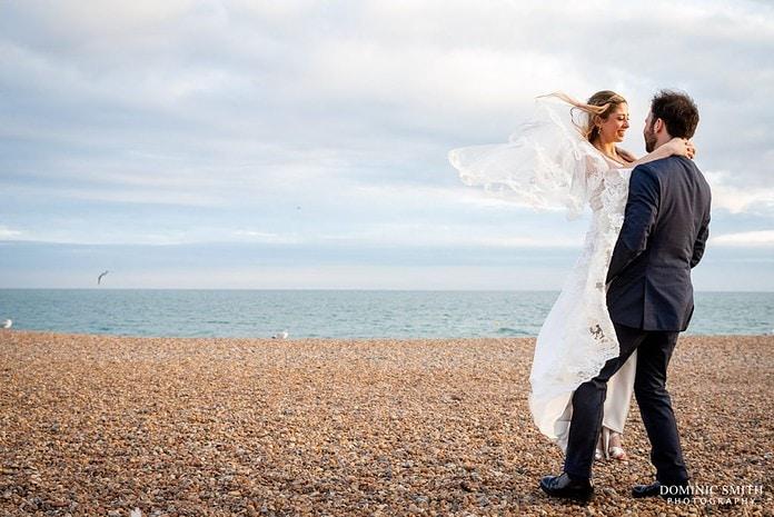 Wedding Couple Photo on Brighton Beach 4