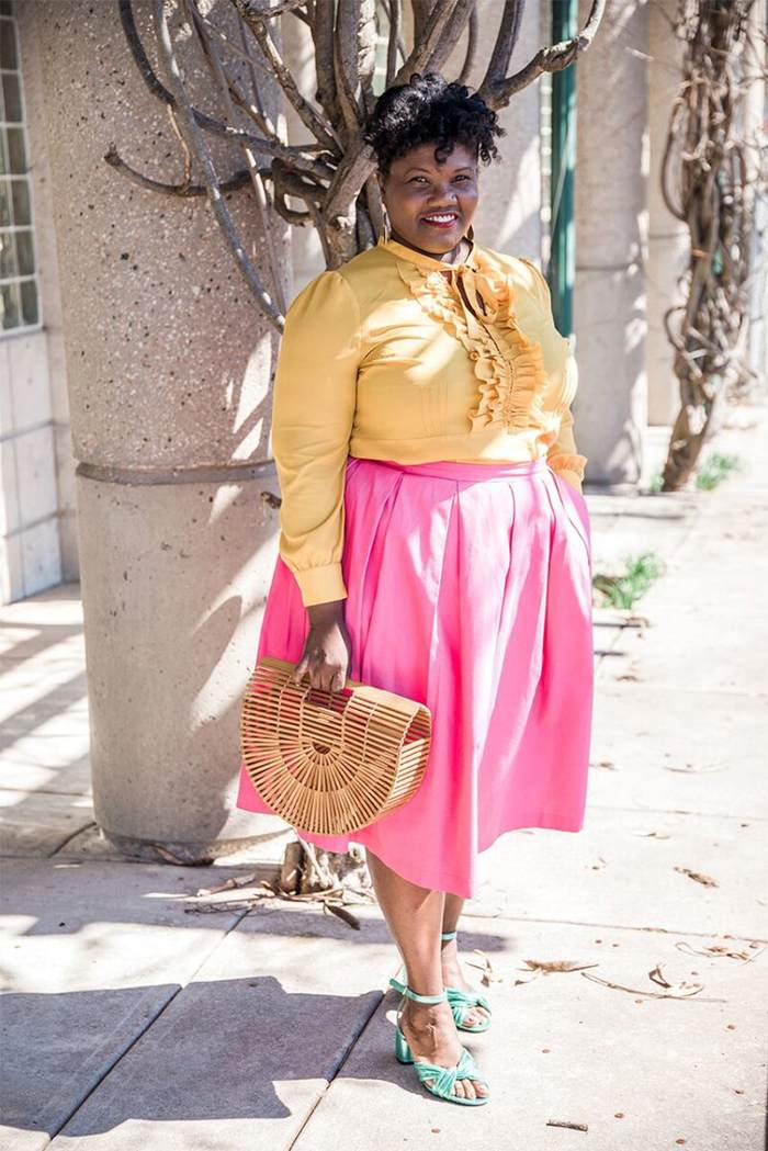 Georgette from Grown and Curvy Women is wearing Yellow Blouse with Pink Skirt and Arc Bamboo bag   fashion over 40   40plusstyle