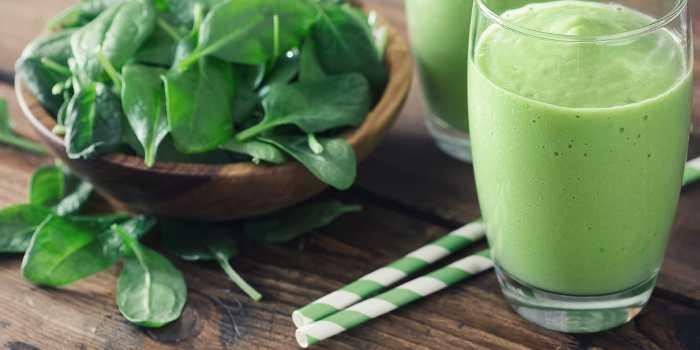 Greens powder smoothie