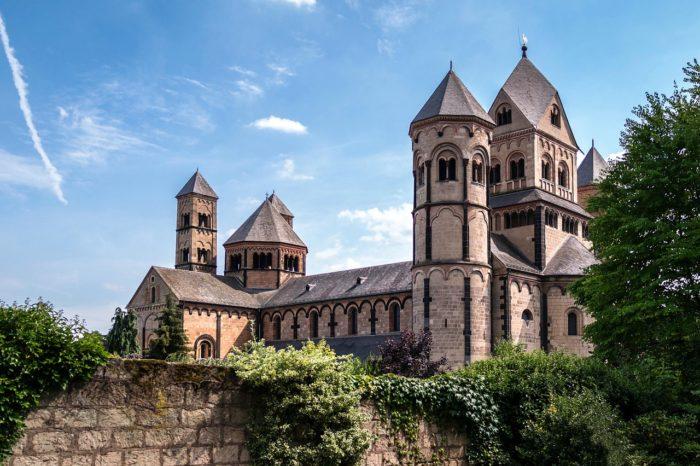 Monastery Church Benedictine  - Didgeman / Pixabay
