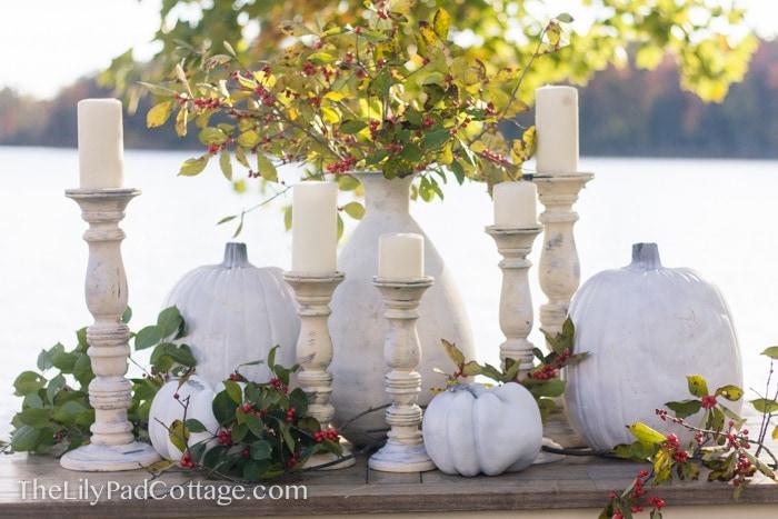 white-thanksgiving-table-decor