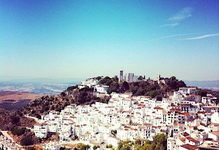 スペインの白い村のひとつカサレス
