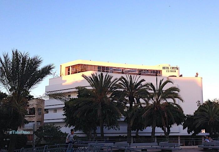 バウハウス様式の建物の画像