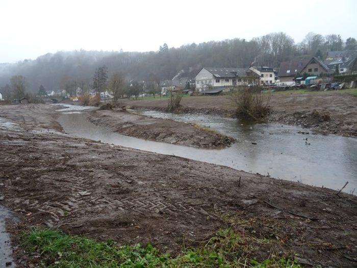 Neuer Gewässerarm der Ahr in Antweiler
