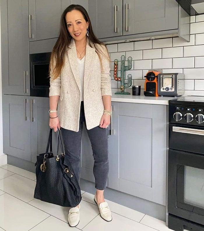How to dress when petite - Abi in a blazer and jeans | 40plusstyle.com