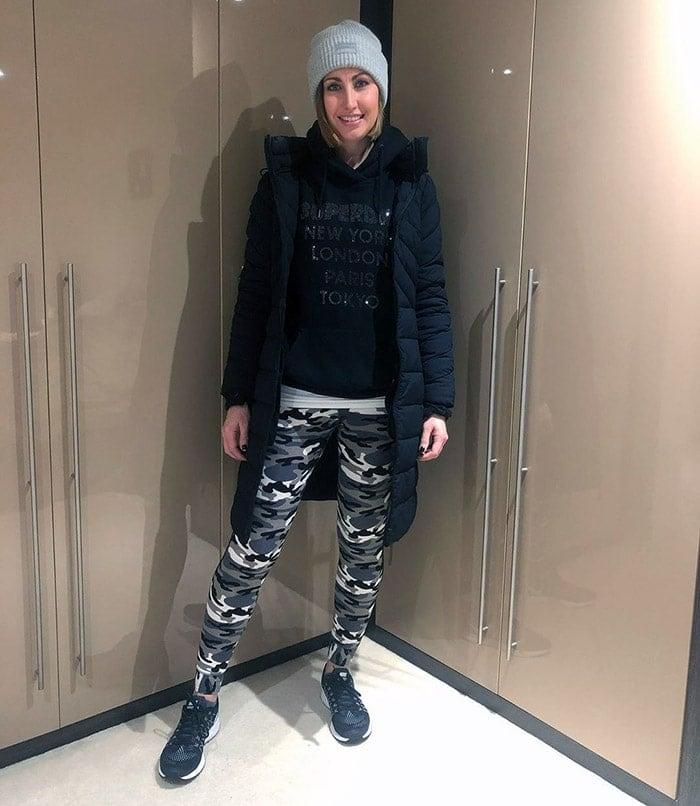 Lou wears a warm, casual winter coat | 40plusstyle.com