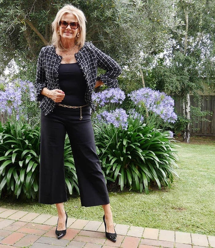 Italian fashion tips - Suzie n cropped pants and heels | 40plusstyle.com
