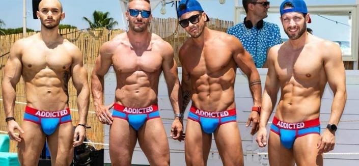 Festa in spiaggia gay