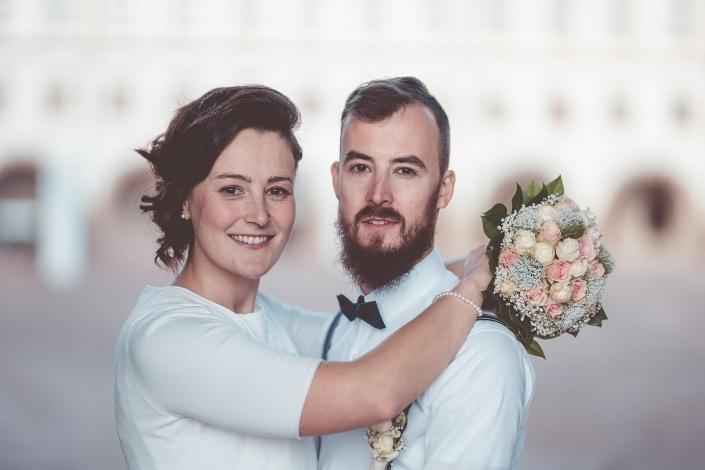 ein klassisches Brautpaarpotrtrait fotografiert am Schloß Friedenstein in Gotha in Thüringen Kamera: Sony A7rIII Sigma Art 105mm