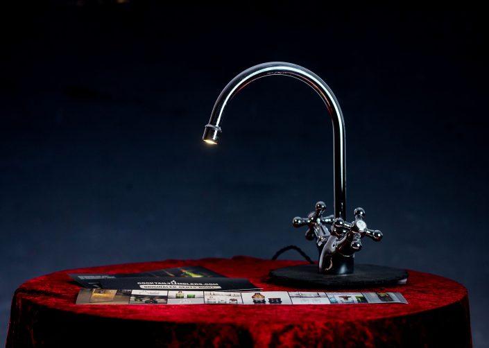 LED Leselampe aus einem Wasserhahn hergestellt