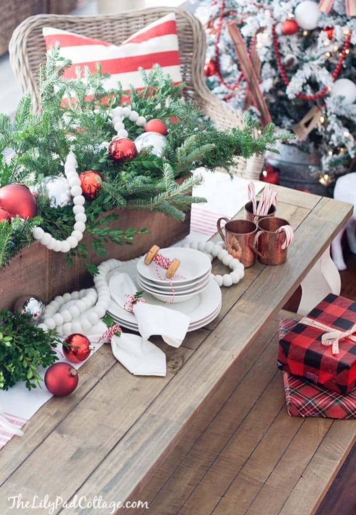 red-white-Christmas-decor-ski-lodge-58