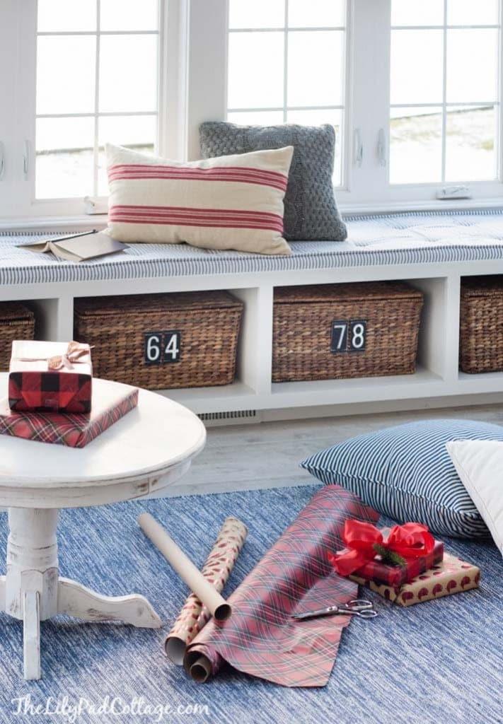 red-white-Christmas-decor-ski-lodge-64