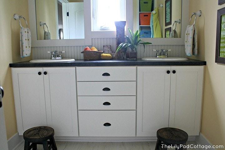 Kids Bathroom -www.thelilypadcottage.com
