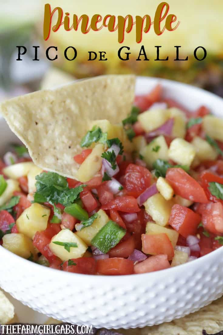 Are you ready to spice up your Cinco de Mayo Celebration? This Pineapple Pico de Gallo is the perfect way to add a sweet and zesty zip to your party. {Ad} #StoredBrilliantly