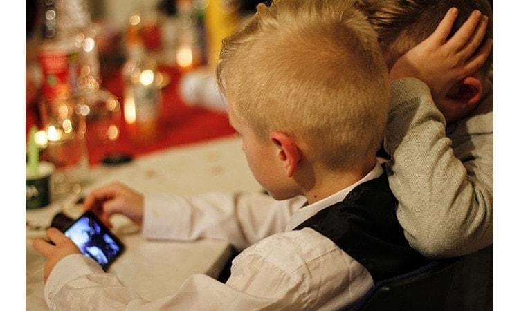 Parental control: come proteggere i bambini dai rischi di internet