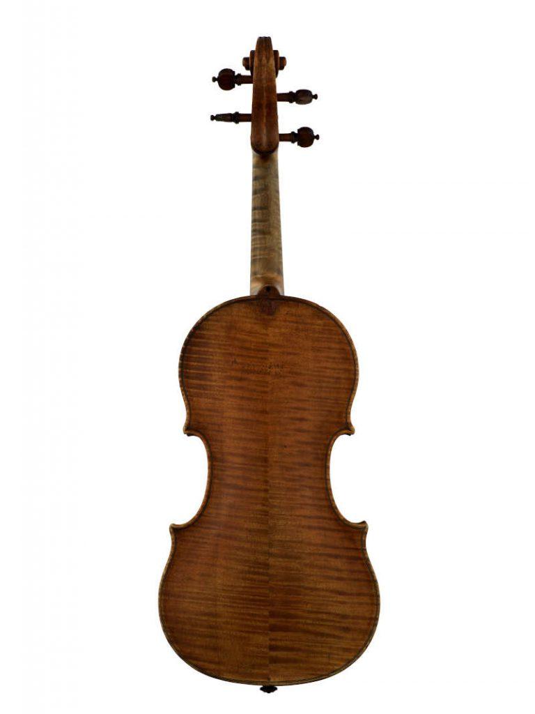 アントニオ・アマティ1588年製のバイオリン『メンデルスゾーン』の後ろ姿の全体像