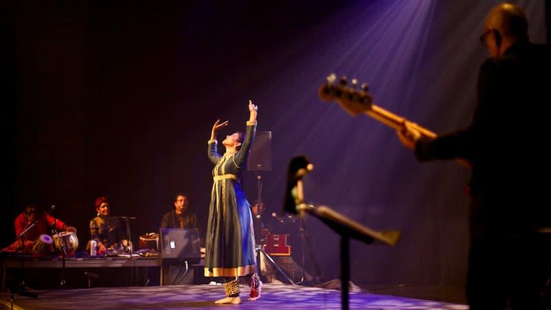 Photos perform India at the VAG