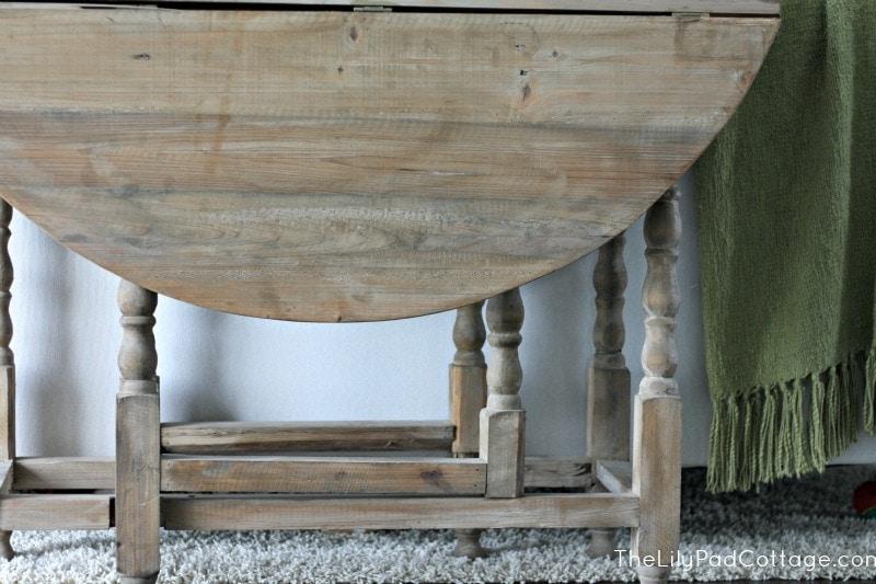 Sofa Table - www.thelilypadcottage.com